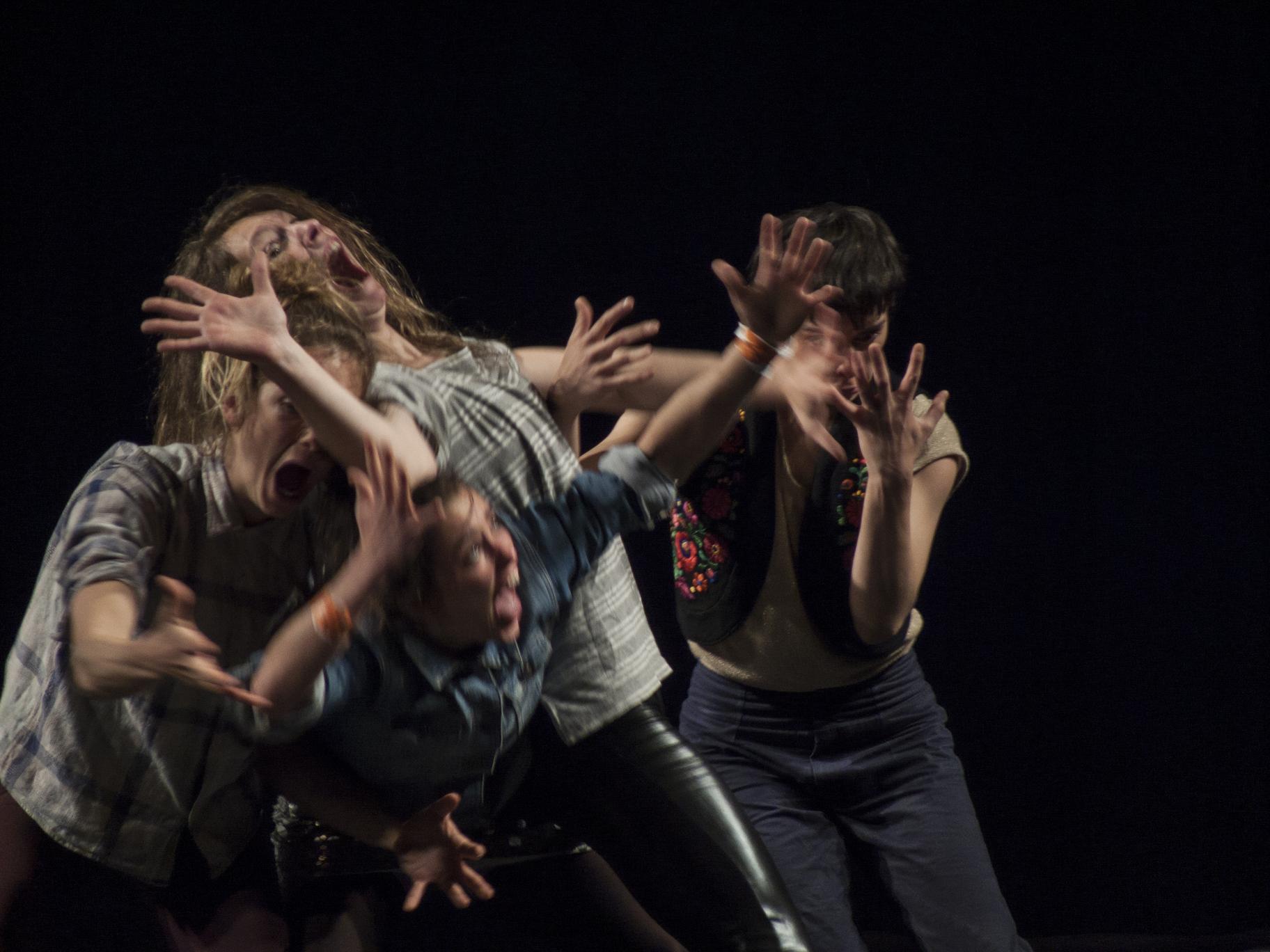 Groupe Bekkrellfoto Andrea Macchia / Festival MirabiliaCircus Next / Neerpelt
